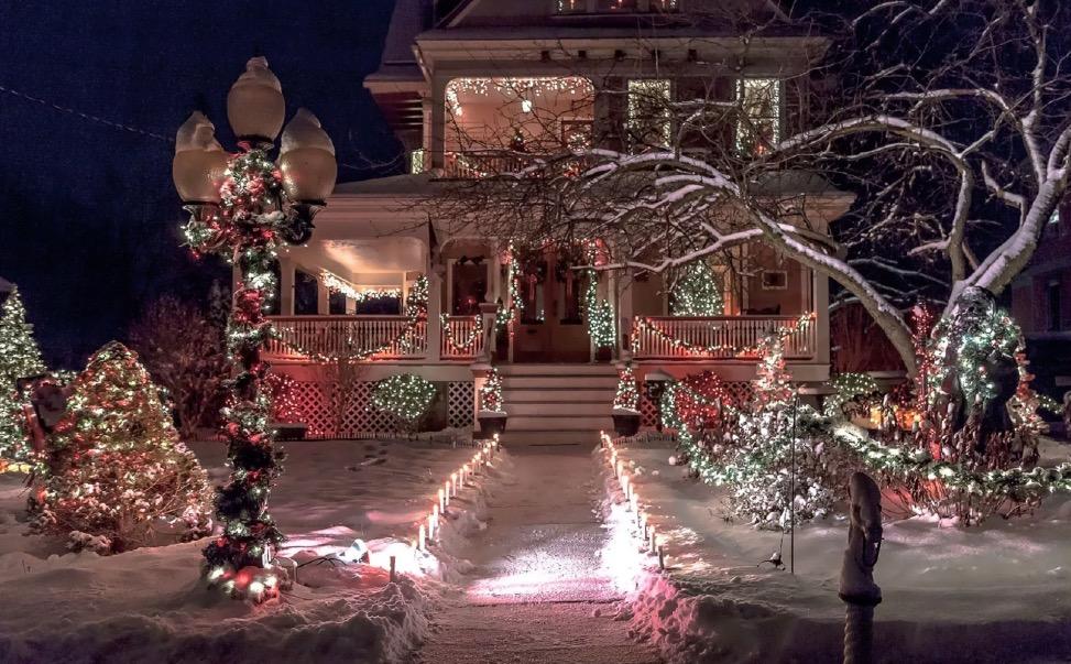 украшаем дом снаружи к новому году
