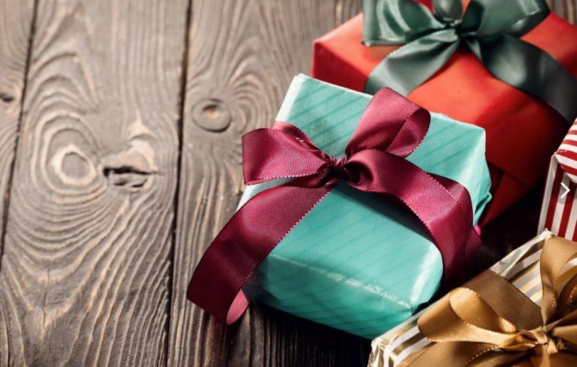 кто придумал дарить подарки